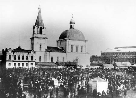 Православная молодежь провела акцию по истории Митрофаниевского храма