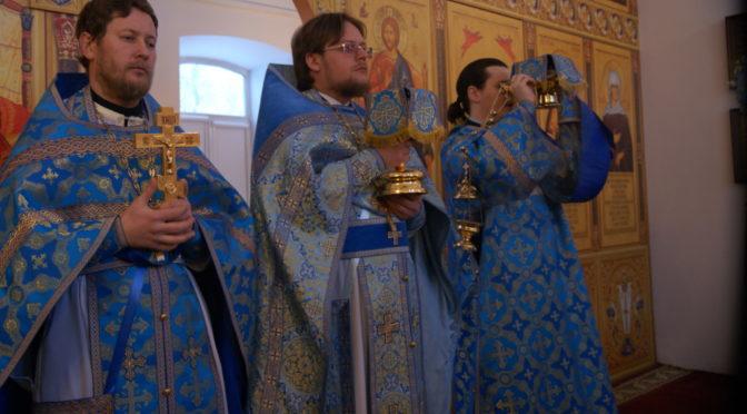 Праздничные богослужения в день Сретения Господня