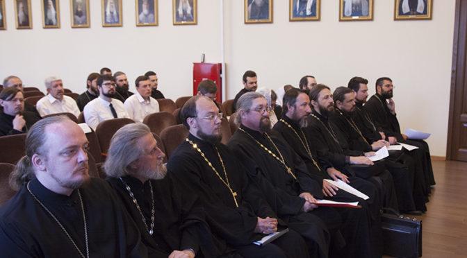 Клирик храма диакон Владимир Суяргулов защитил дипломную работу в семинарии