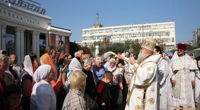 Митрополит Лонгин совершил Божественную литургию в день престольного праздника храма