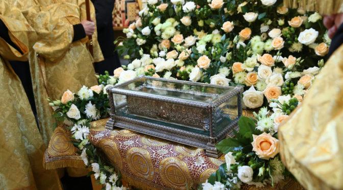 Клуб «Ладья» оказал помощь во время пребывания мощей святителя Спиридона в Саратове