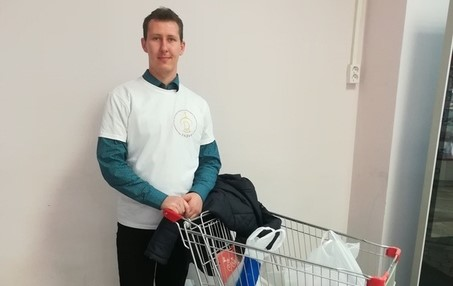 Активист клуба «Ладья» принял участие в благотворительной акции