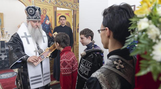 Митрополит Лонгин совершил Литургию Преждеосвященных Даров в нашем храме
