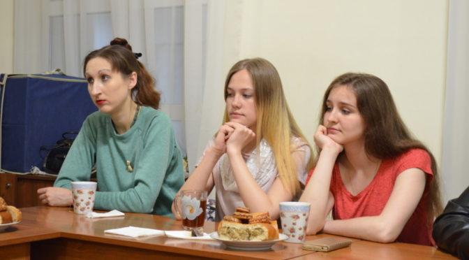 В молодежном клубе «Ладья» обсудили тему православной молитвы