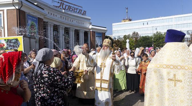 В день престольного праздника Митрополит Лонгин совершил Божественную литургию в нашем храме