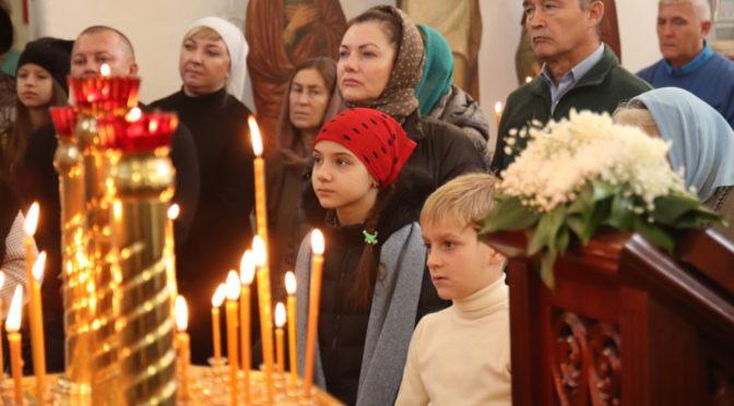 Богослужение в день празднования в честь Казанской иконы Божьей Матери