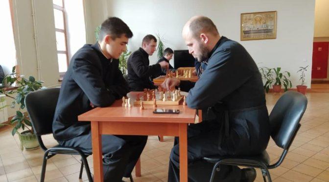 Клирик храма принял участие в семинарском турнире по шахматам