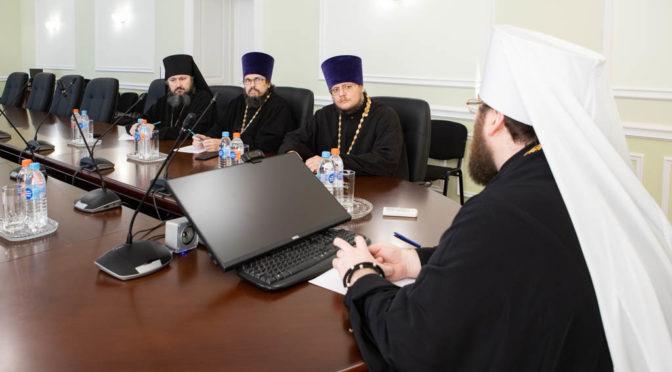 Настоятель принял участие в заседании Епархиального совета