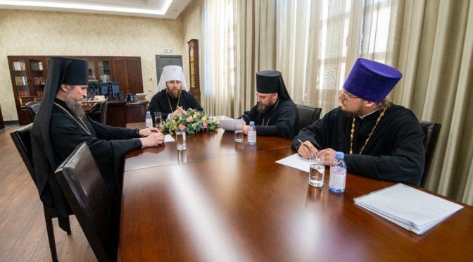 Настоятель принял участие в совместном служении архиереев Саратовской митрополии и Архиерейском совете